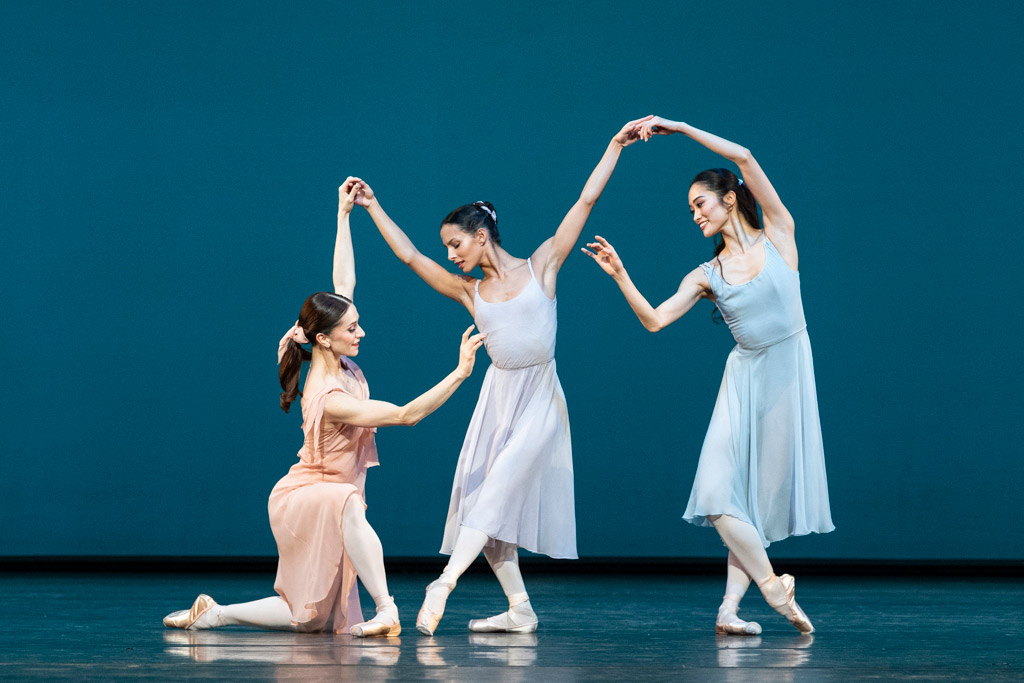 Marianela Nuñez, Francesca Hayward and Fumi Kaneko in Dances at a Gathering.© Foteini Christofilopoulou, courtesy the Royal Opera House. (Click image for larger version)