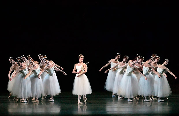 Devon Teuscher as Myrta in <I>Giselle</I>.<br />© Gene Schiavone. (Click image for larger version)