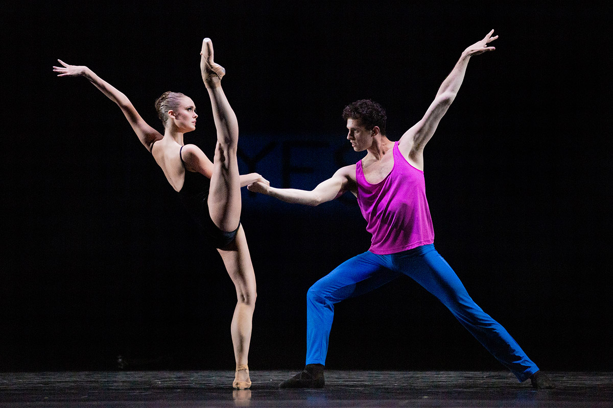 Hannah Fischer and Christopher Gerty in Approximate Sonata 2016.© Karolina Kuras. (Click image for larger version)