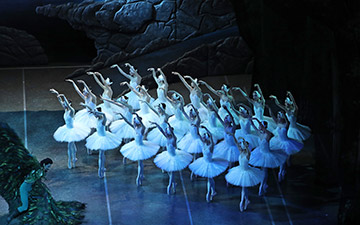 Shanghai Ballet in Swan Lake.© North America Photography Association. (Click image for larger version)