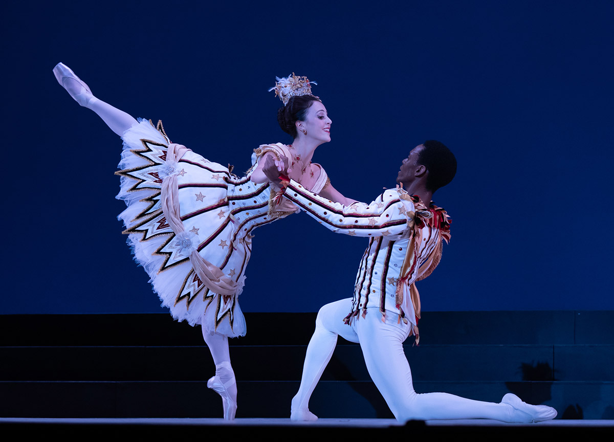 Katherine Barkman and Andile Ndlovu in Birthday Offering.© Victoria Pickering. (Click image for larger version)
