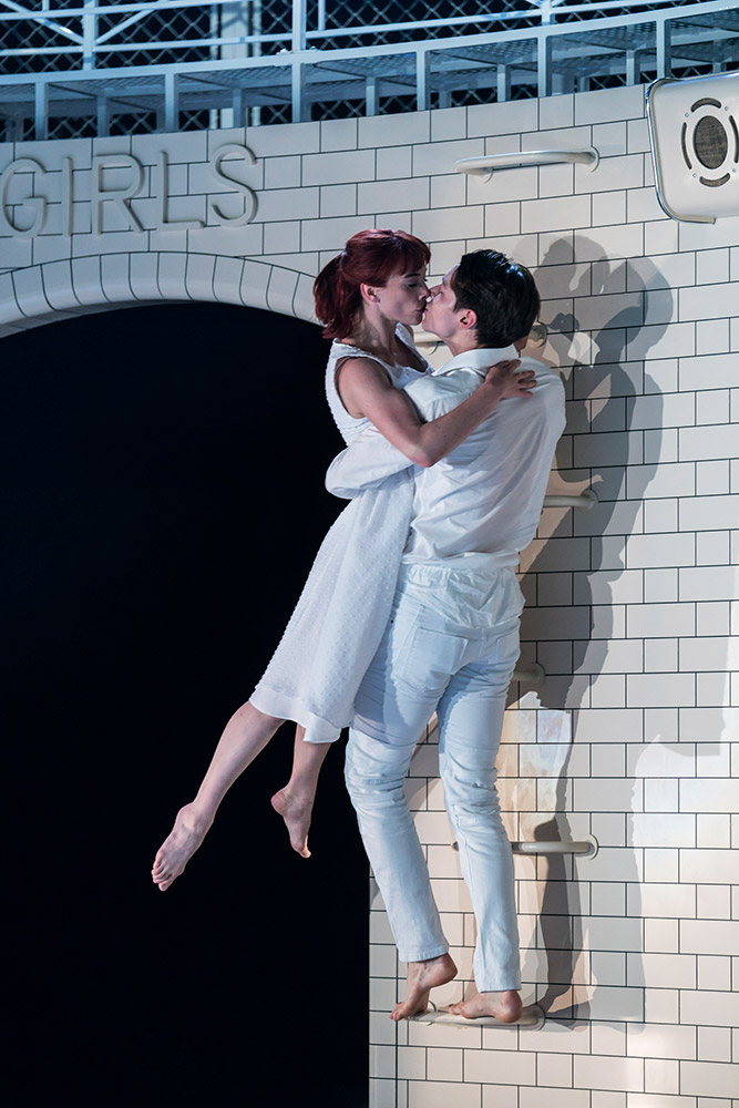 Cordelia Braithwaite and Paris Fitzpatrick in <I>Romeo and Juliet</I>.<br />© Johan Persson. (Click image for larger version)
