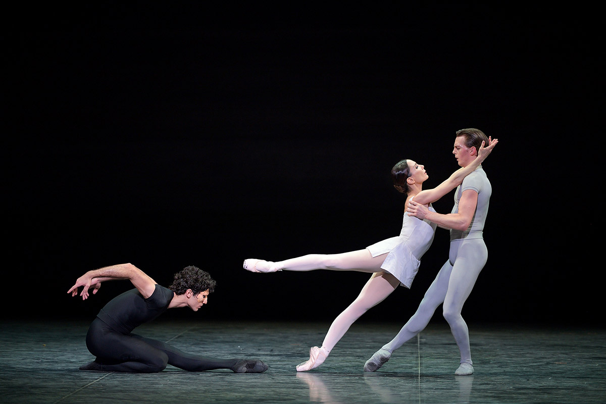 Tamara Rojo and Joseph Caley, here with Fernando Carratalá Coloma in Song of the Earth.© Laurent Liotardo. (Click image for larger version)