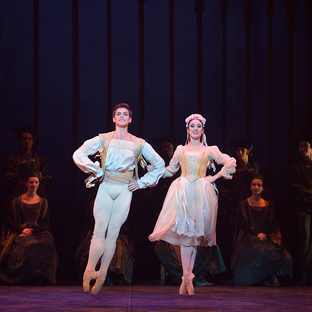 Barry Drummond and Anjuli Hudson in Swan Lake.© Laurent Liotardo. (Click image for larger version)