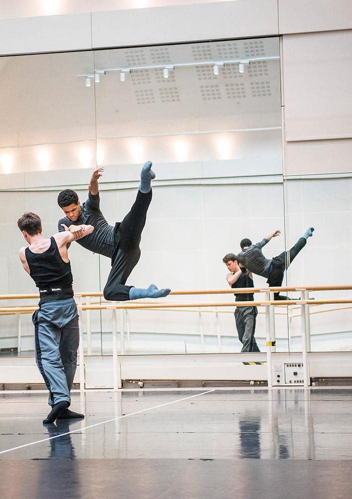 Calvin Richardson and Joseph Sissens in rehearsal.© Tristram Kenton, courtesy the Royal Opera House. (Click image for larger version)
