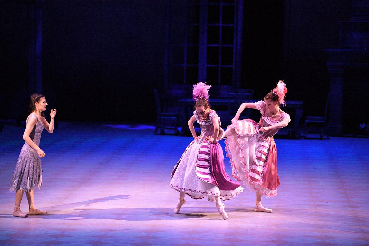 Alina Cojocaru, Katja Khaniukova and Emma Hawes in Cinderella.© Laurent Liotardo. (Click image for larger version)