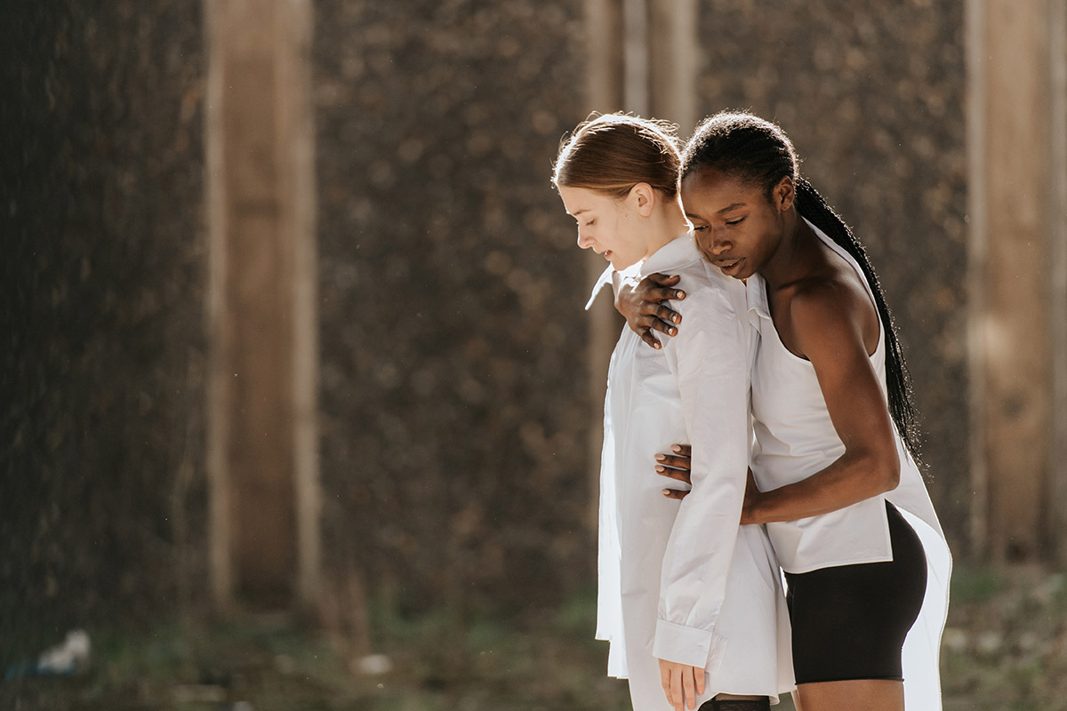 Anna Williams and Rishan Benjamin on set for <I>Frontiers</I>, by Myles Thatcher.<br />© Mihaela Bodlovic. (Click image for larger version)