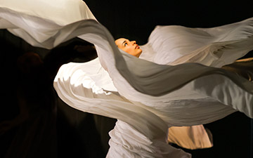 Alejandra Dominguez in Jody Sperling's Ice Cycle.© Paul Bloomfield. (Click image for larger version)