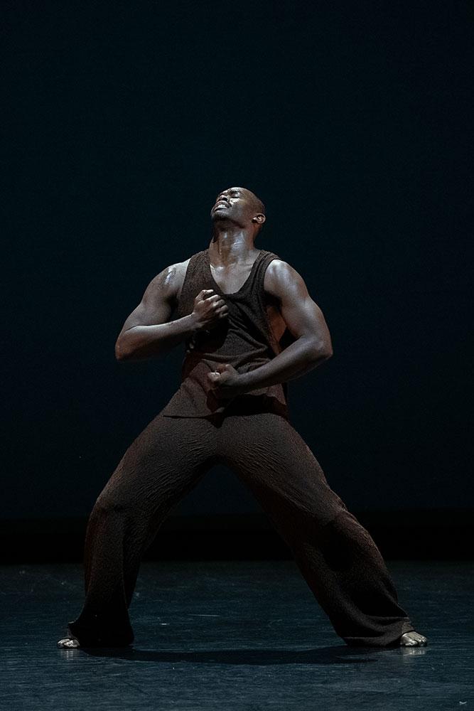 Jamar Roberts in Morani/Mungu (Black Warrior/Black God).© Christopher Duggan. (Click image for larger version)