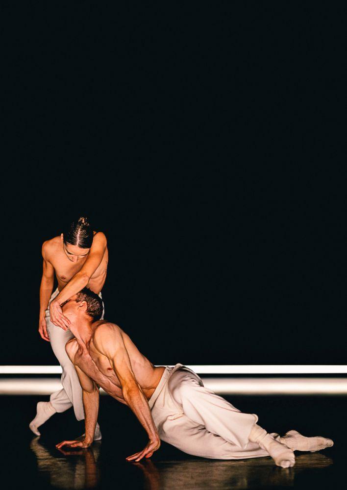 Chloé Albaret and Scott Fowler in Silent Tides.© Rahi Rezvani. (Click image for larger version)