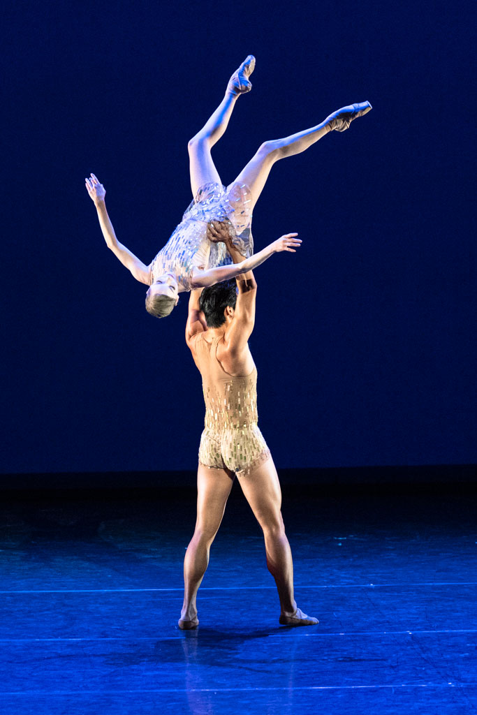 Sarah Lamb and Ryoichi Hirano in <I>Within the Golden Hour</I>.<br />© Foteini Christofilopoulou, courtesy the Royal Opera House. (Click image for larger version)