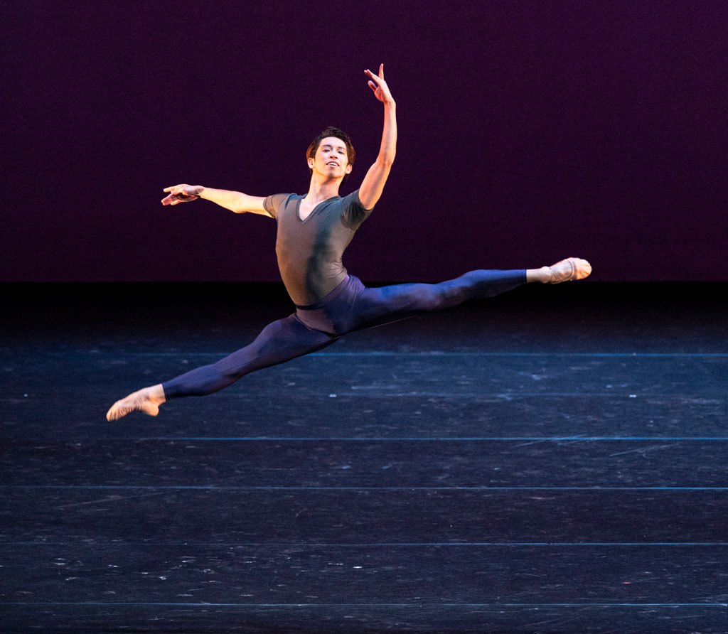 Taisuke Nakao in Scherzo.© Foteini Christofilopoulou, courtesy the Royal Opera House. (Click image for larger version)
