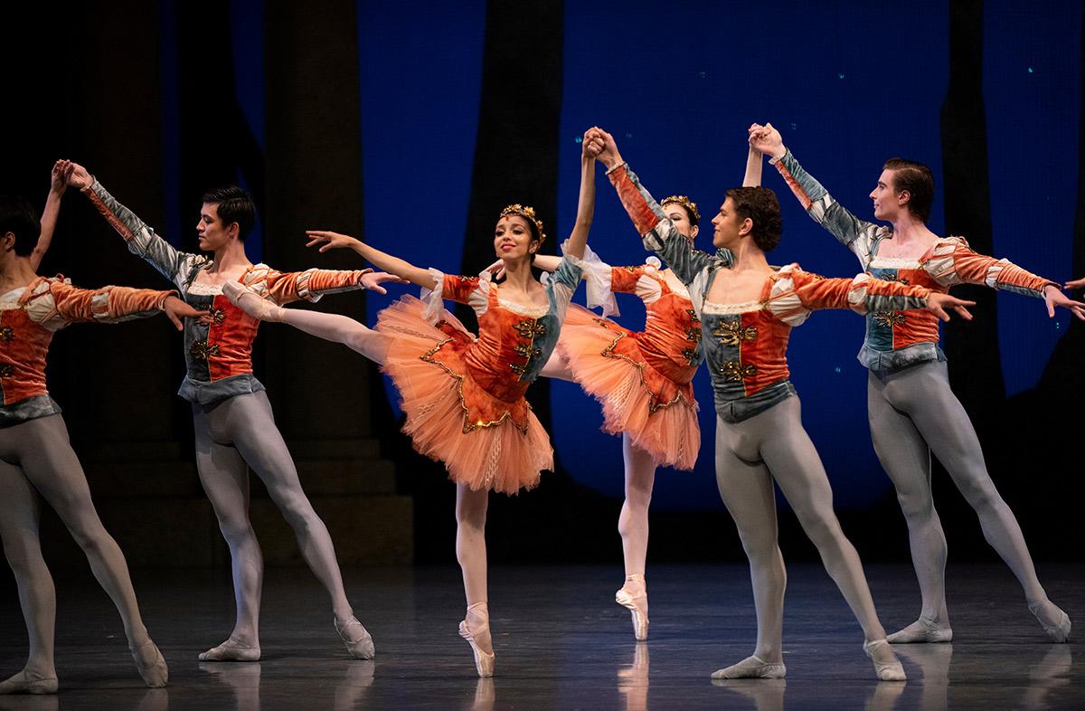 San Francisco Ballet in Balanchine's A Midsummer Night's Dream.Photo © Erik Tomasson. Choreography © The Balanchine Trust. (Click image for larger version)