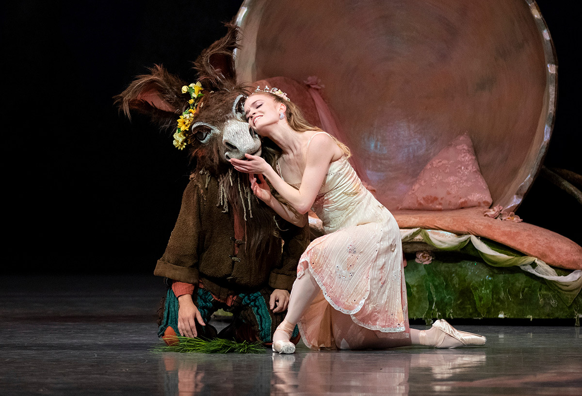 Sasha De Sola and Lucas Erni in Balanchine's <I>A Midsummer Night's Dream</I>.<br />Photo © Erik Tomasson. Choreography © The Balanchine Trust. (Click image for larger version)
