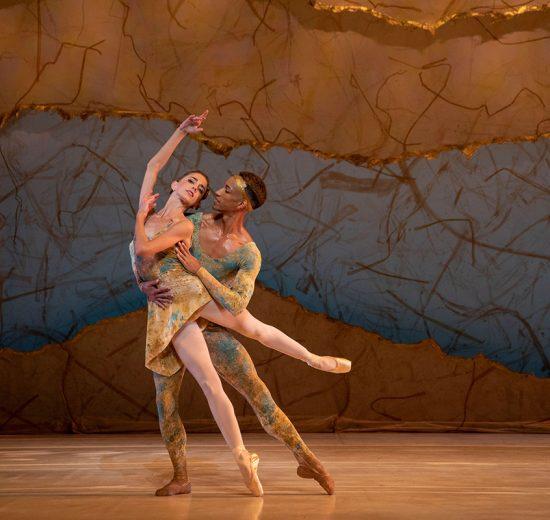 Ellen Overstreet and Ricardo Rhodes in Peter Wright's Summertide.© Matthew Holler/Sarasota Ballet. (Click image for larger version)