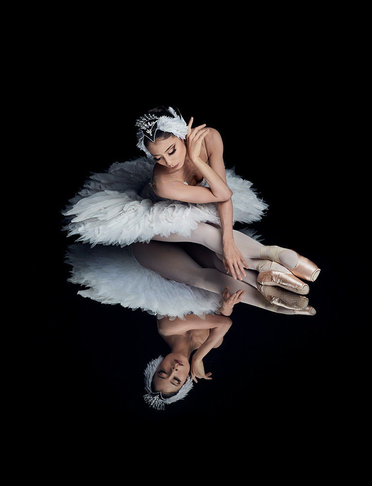 Hanako Matsune in Swan Lake publicity image.© Jonas Lundqvist. (Click image for larger version)