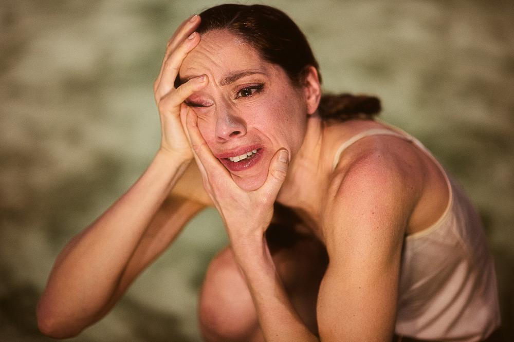 Lydia Bustinduy in Imre & Marne van Opstal's <I>Baby don't hurt me</I>.<br />© Rahi Rezvani. (Click image for larger version)