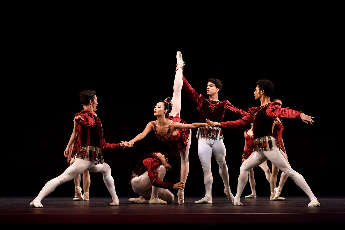 San Francisco Ballet in Balanchine's <I>Rubies</I>. Choreography by George Balanchine © The Balanchine Trust.<br />© Erik Tomasson. (Click image for larger version)