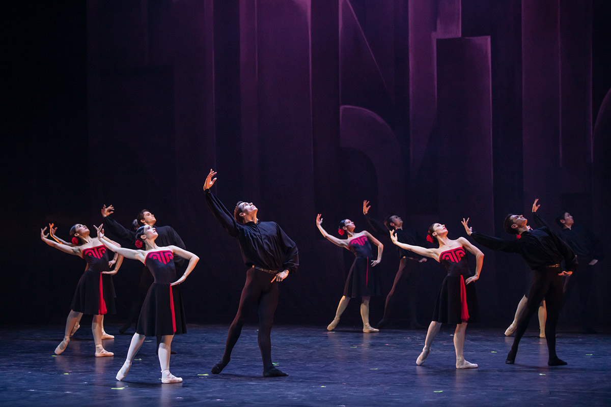 Hungarian National Ballet in 5 Tangos.© Attila Nagy. (Click image for larger version)
