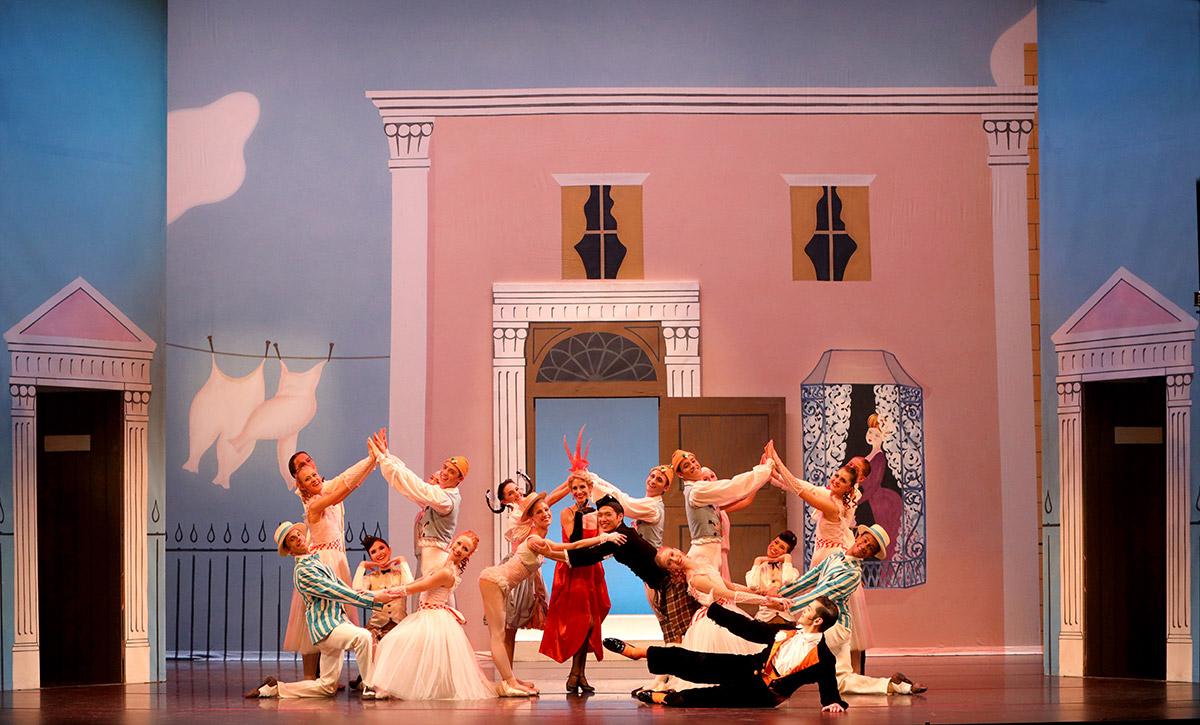Sarasota Ballet in Ashton's <I>Facade</I>.<br />© Frank Atura. (Click image for larger version)