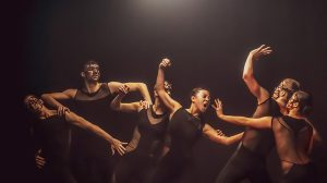 Alexander Whitley Dance Company in Overflow.© Johan Persson. (Click image for larger version)