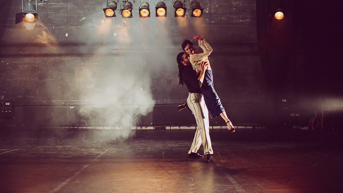 Oxana Panchenko and Harry Alexander in Lady Blackshirt.© Marta Vitiello. (Click image for larger version)