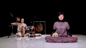 From a pre-show photoshoot of Jangdan: Conversation of the Breath.© Song Kwang Chan. (Click image for larger version)