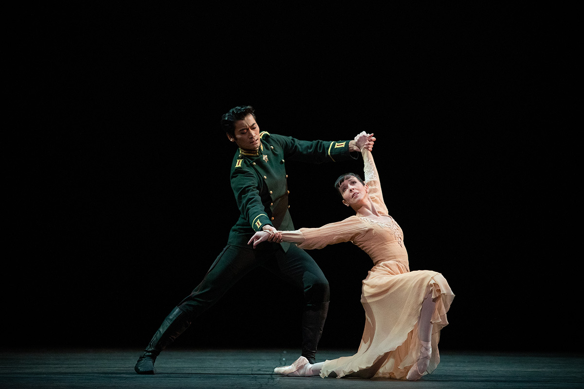 Laura Morera and Ryoichi Hirano in <I>Winter Dreams</I>.<br />© Alice Pennefather, courtesy the Royal Opera House. (Click image for larger version)