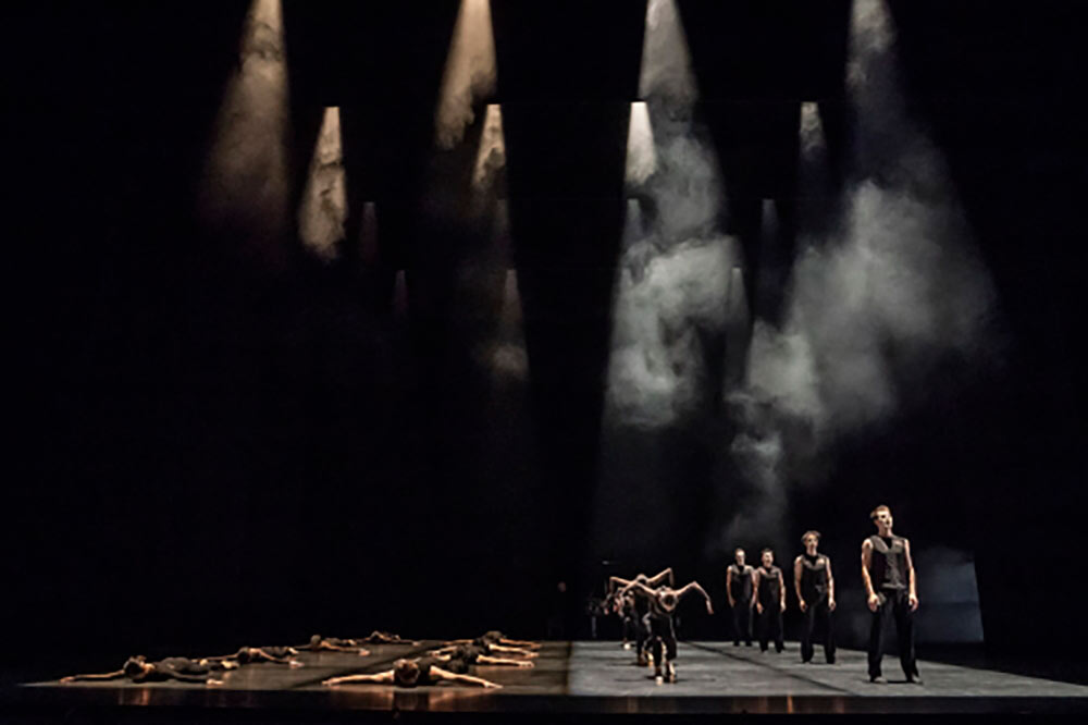 Birmingham Royal Ballet in Goyo Montero's <I>Chacona</I>.<br />© Johan Persson. (Click image for larger version)