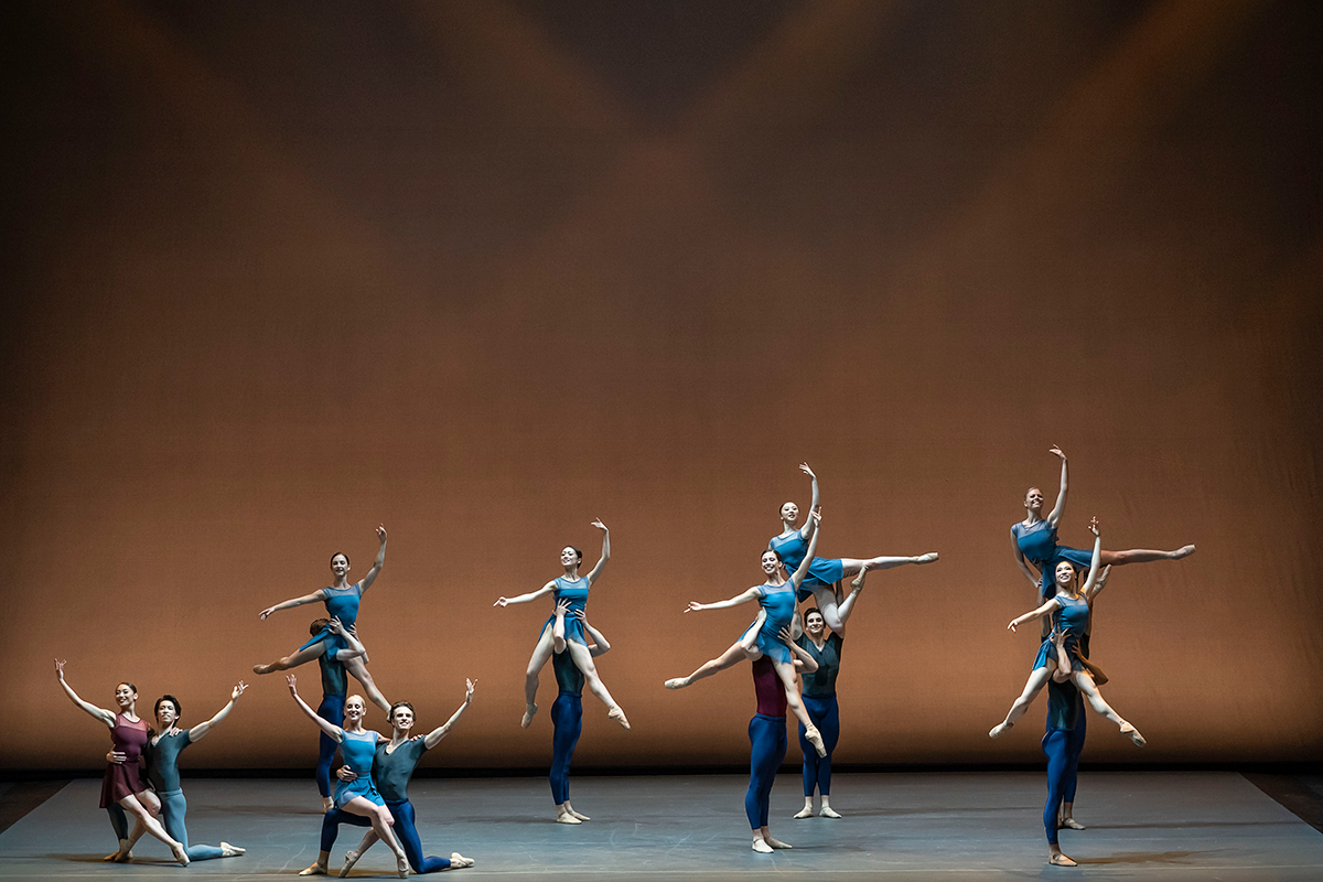 Royal Ballet dancers in Valentino Zucchetti's <I>Scherzo</I>.<br />© Johan Persson. (Click image for larger version)