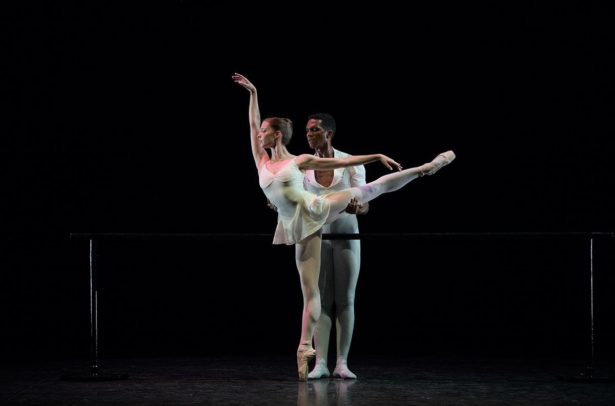 Emma Hawes and Junor Souza in <I>Three Preludes</I>.<br />© Laurent Liotardo. (Click image for larger version)