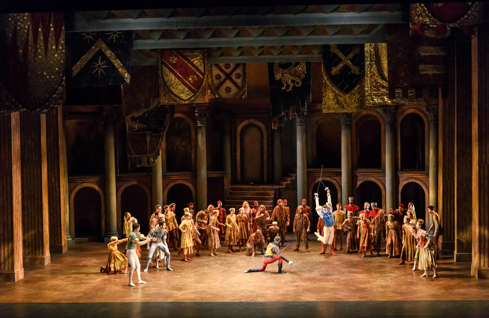 Birmingham Royal Ballet in Romeo and Juliet.© Bill Cooper. (Click image for larger version)