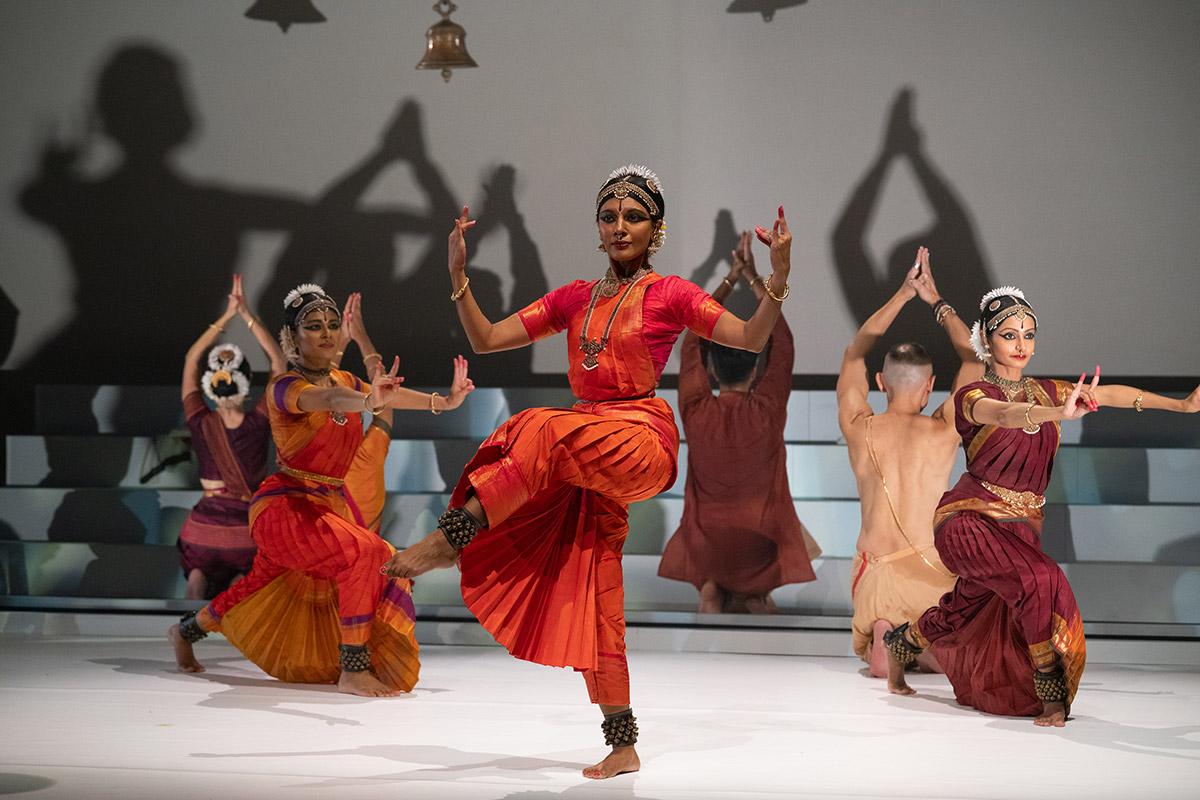 Aparna Ramaswamy (centre) in <I>Fires of Varanasi</I>.<br />© Steven Pisano. (Click image for larger version)