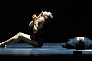 Tyrone Singleton and Yaoqian Shang in Edward Clug's Radio and Juliet.© Bill Cooper. (Click image for larger version)