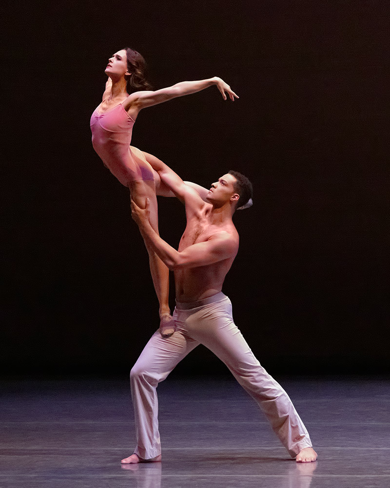 Lauren Lovette and Preston Chamblee in After the Rain.© Erin Baiano. (Click image for larger version)