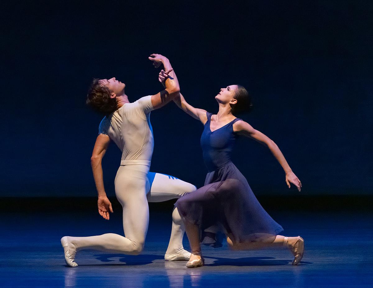 Lauren Lovette and Joseph Gordon in <I>Opus 19/The Dreamer</I>.<br />© Erin Baiano. (Click image for larger version)