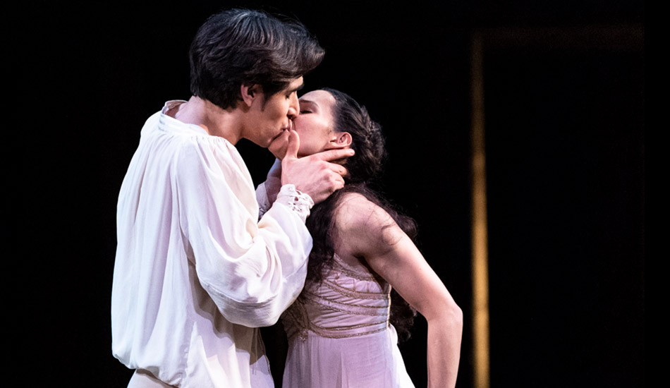 Francesca Hayward and Cesar Corrales in <I>Romeo and Juliet</I>.<br />© Foteini Christofilopoulou, courtesy the Royal Opera House. (Click image for larger version)