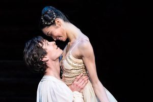 William Bracewell and Fumi Kaneko in Romeo and Juliet.© Foteini Christofilopoulou, courtesy the Royal Opera House. (Click image for larger version)
