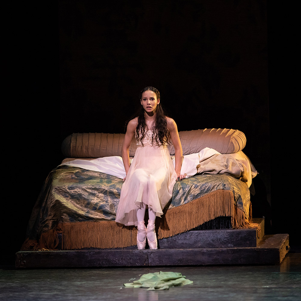 Francesca Hayward in <I>Romeo and Juliet</I>.<br />© Helen Maybanks, courtesy the Royal Opera House. (Click image for larger version)